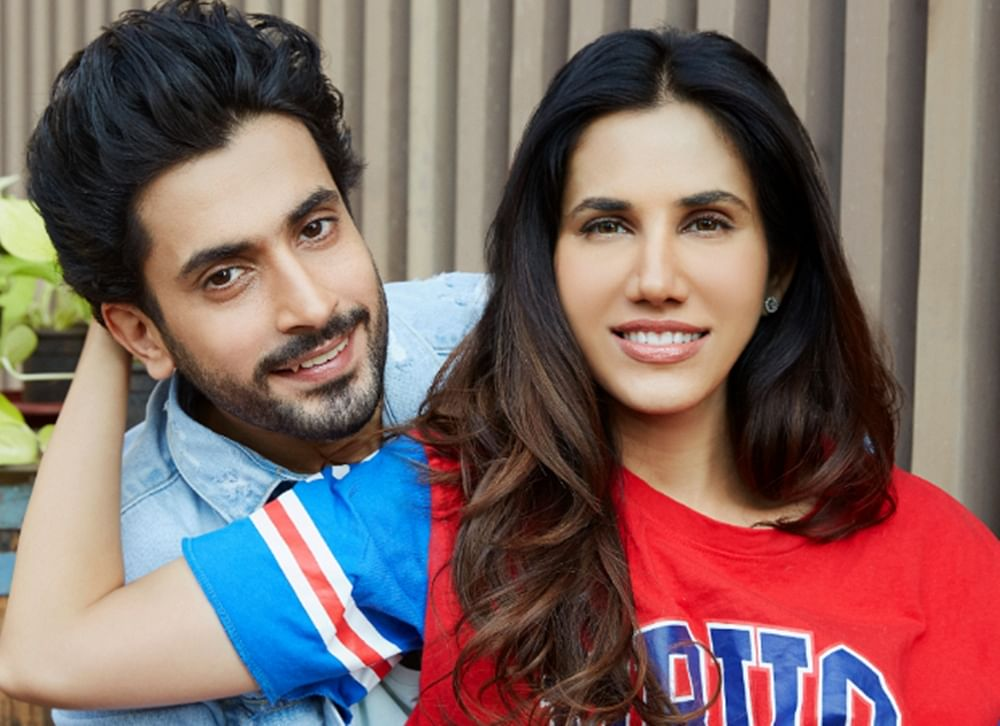 Pyaar Ka Punchnama 2 fame Sunny Singh and Sonnalli Seygall to star in Luv Ranjan's next