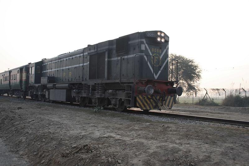 After Samjhauta, Pakistan to suspend Thar Express service with India