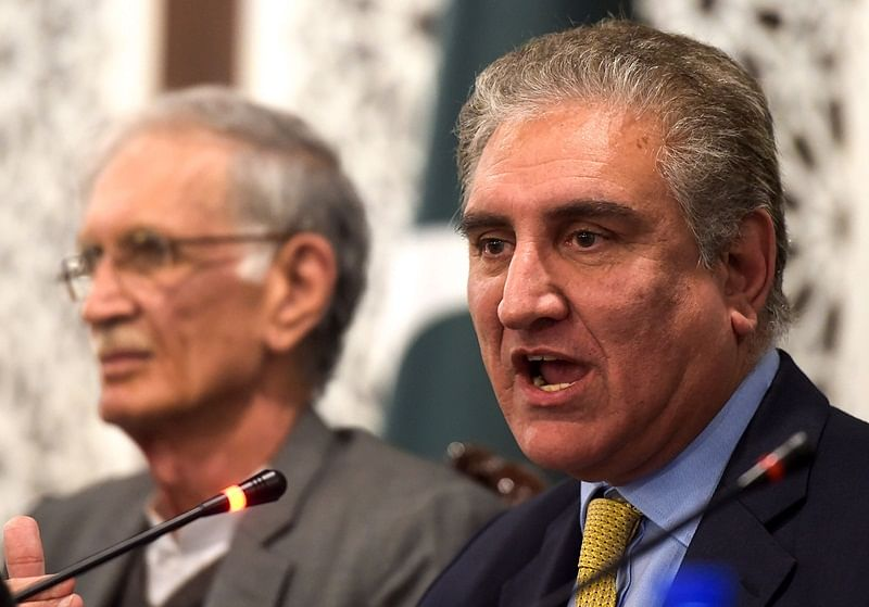 Shah Mehmood Qureshi makes 'urgent' phone call to Chinese FM, briefs him on Indo-Pak tensions