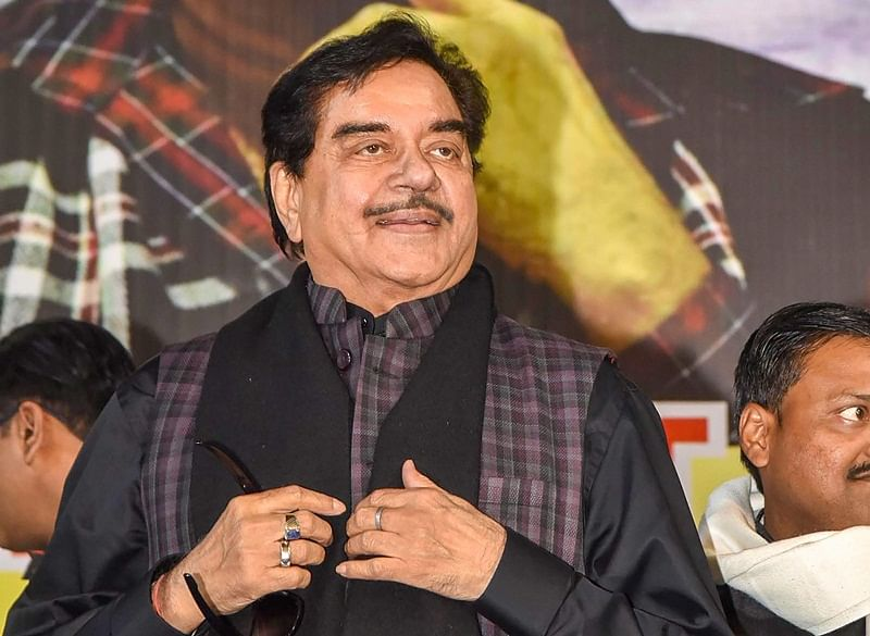 Government should come out with details of air strikes: Shatrughan Sinha