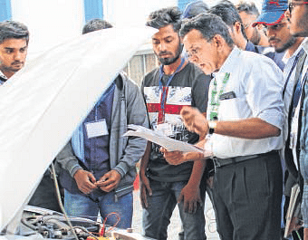 Bhopal: Two-day workshop on Engine Mechatronics at SISTec