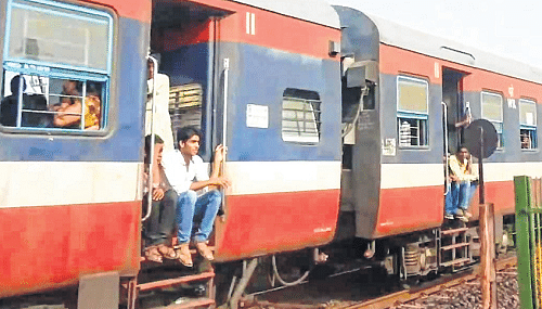 Indore: Western Railway recommends more trains on Indore-Ratlam-Fatehabad route