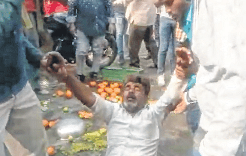 Indore: After being harassed by IMC staff, man attempts suicide
