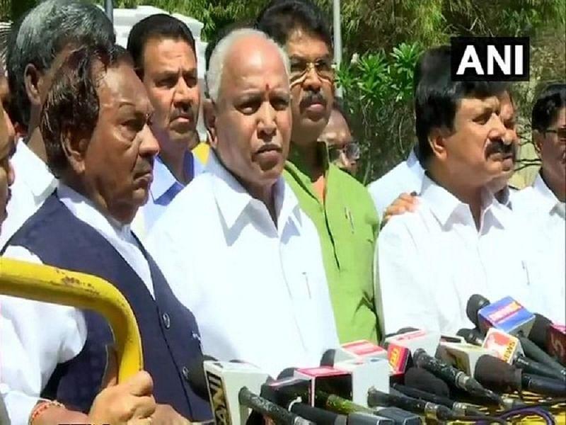 Karnataka: BJP submits memorandum to Governor over stone-pelting on MLA