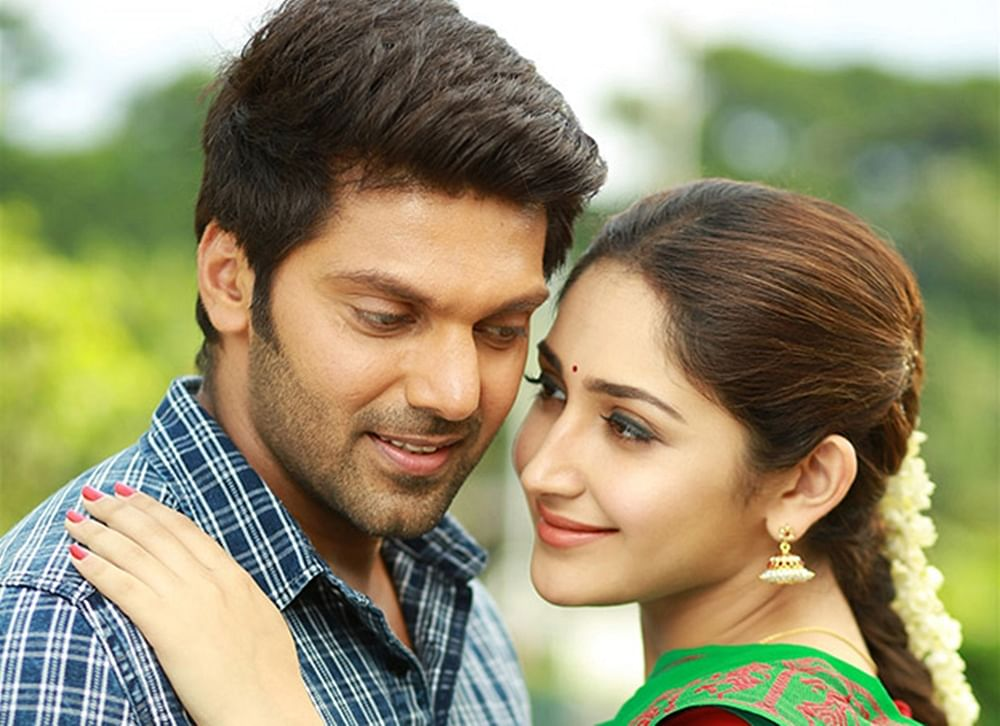 South actor Arya announces his wedding with Sayyeshaa on social media