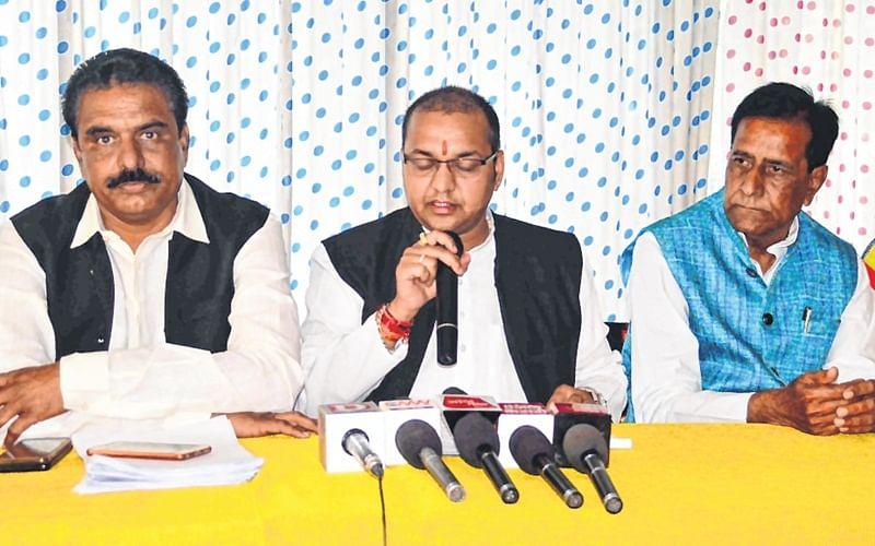 Ujjain: PCC spokesman Parihar  faces heat on loan waiver