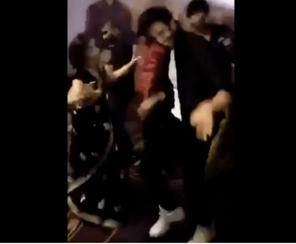 Watch Video! Kartik Aaryan dancing with his mom on 'Dil Chori' proves that he is a 'Mumma's Boy'