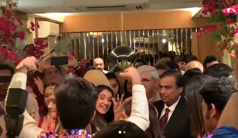 Viral Video! Radhika Merchant makes Mukesh Ambani dance at her sister Anjali Merchant's wedding