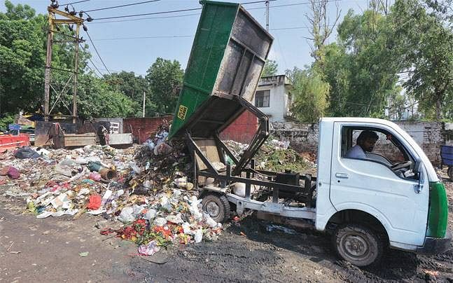 Bhopal: Man killed in mishap involving sanitation vehicle