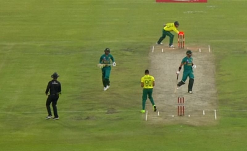 Who's out? Shoaib Malik's run out during Pakistan and South Africa 3rd T20 leaves third umpire confused