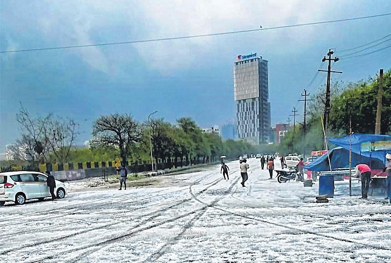 Hailstorm, heavy rainfall hits Delhi, other areas