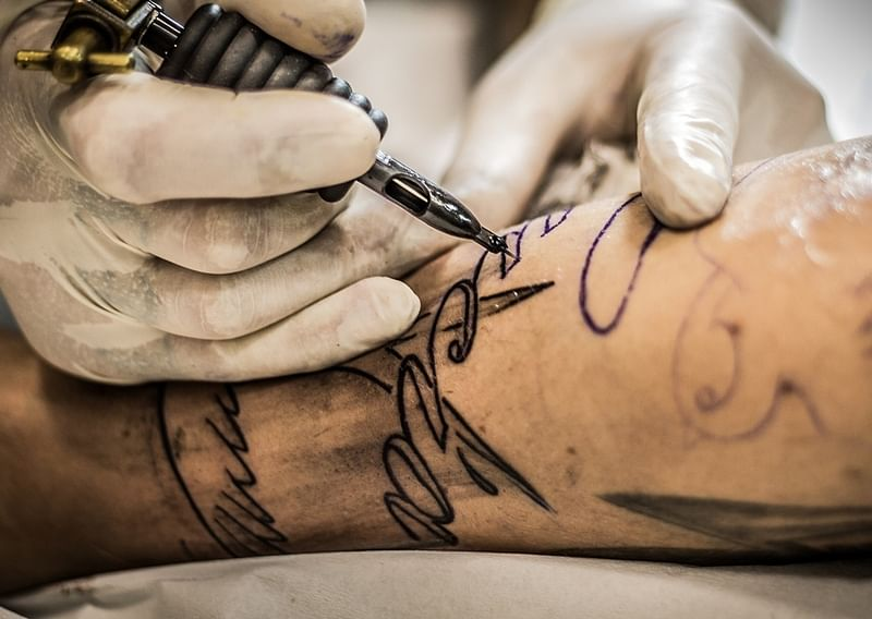 Rajasthan youth tattoos names of 71 martyred soldiers on body