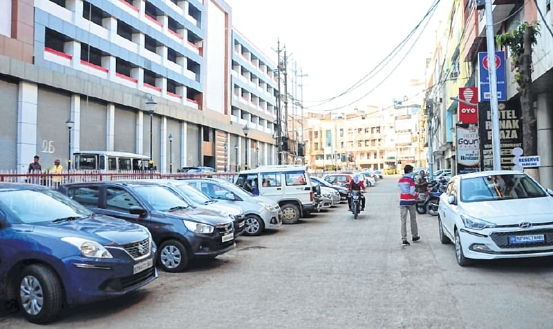 Bhopal: Visitors continue to ignore  MP Nagar multi-level parking
