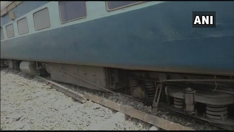 Bihar: 13 coaches of Tapti-Ganga express derail in Chhapra; 4 injured