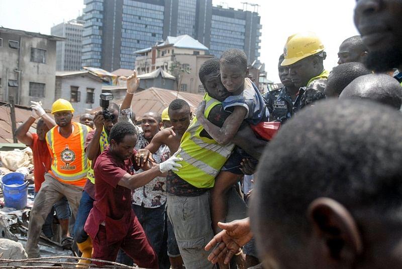 Nigeria: 12 killed in Lagos school building collapse