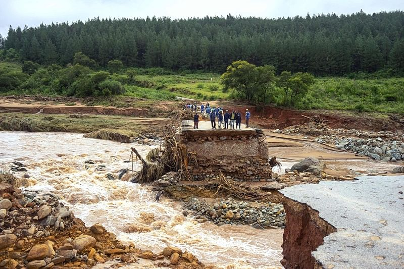 Cyclone Idai fatalities could surge to 300, says Zimbabwe minister