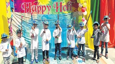 Indore: Holi celebrated in Delhi Public School