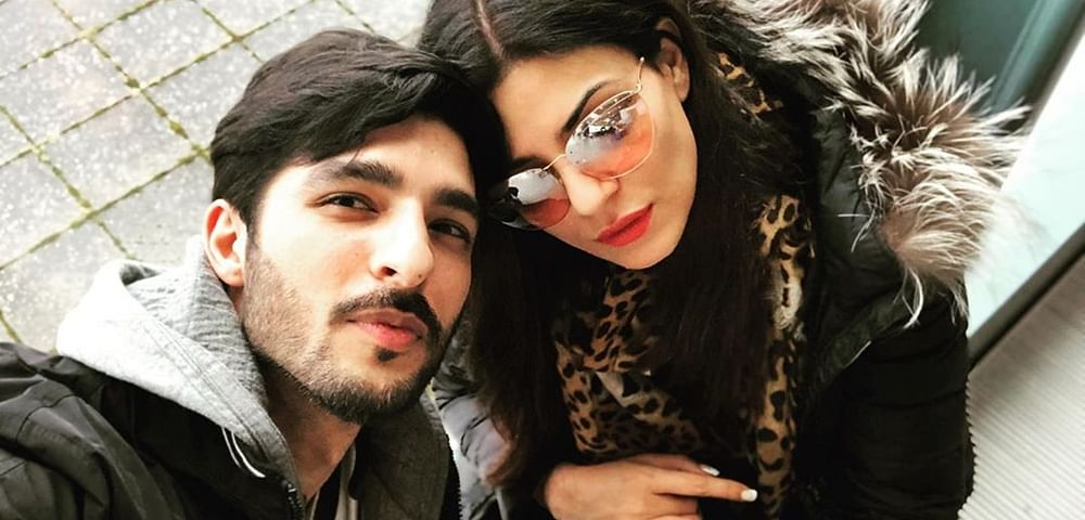 Rohmance Alert! Sushmita Sen shares adorable PDA click with BF Rohman Shawl in London