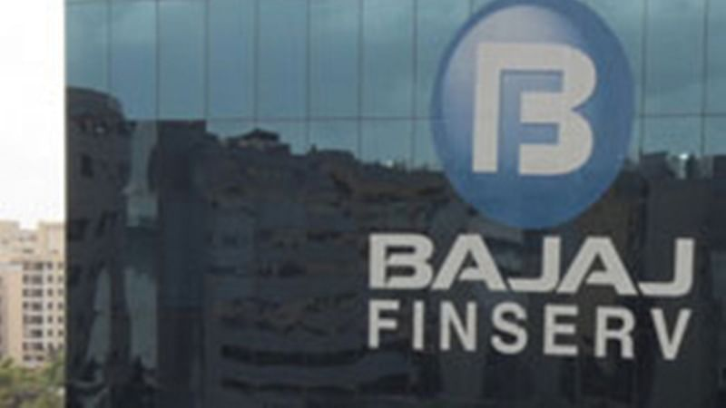 Protect your expensive footwear with shoes Insurance from Bajaj Finserv
