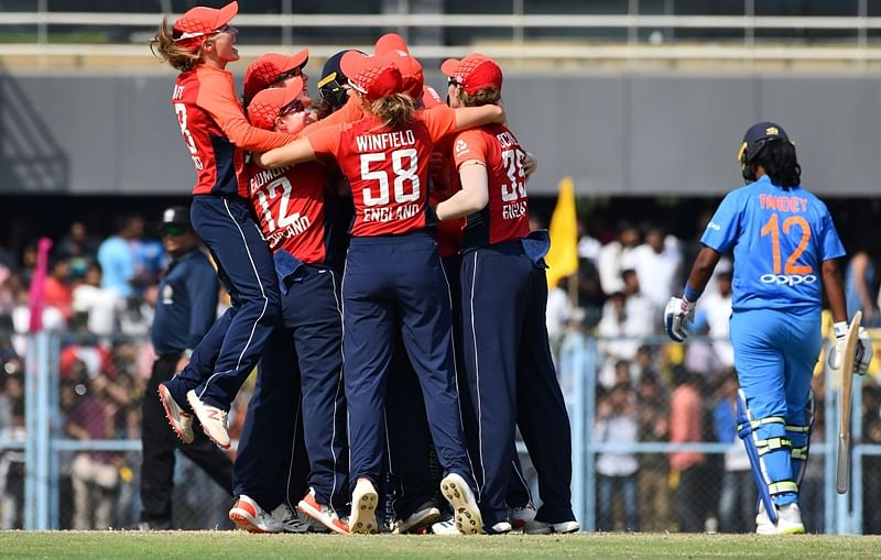 Mandhana's fifty in vain as England women snatch victory from jaws of defeat in 3rd T20I, India lose series 0-3