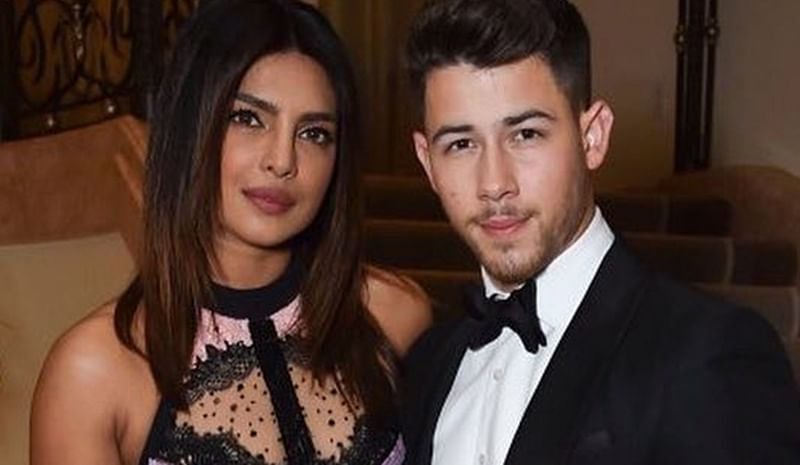 Watch Video! Fan throws away bra at Nick Jonas' concert but it's Priyanka's reaction that is more hilarious