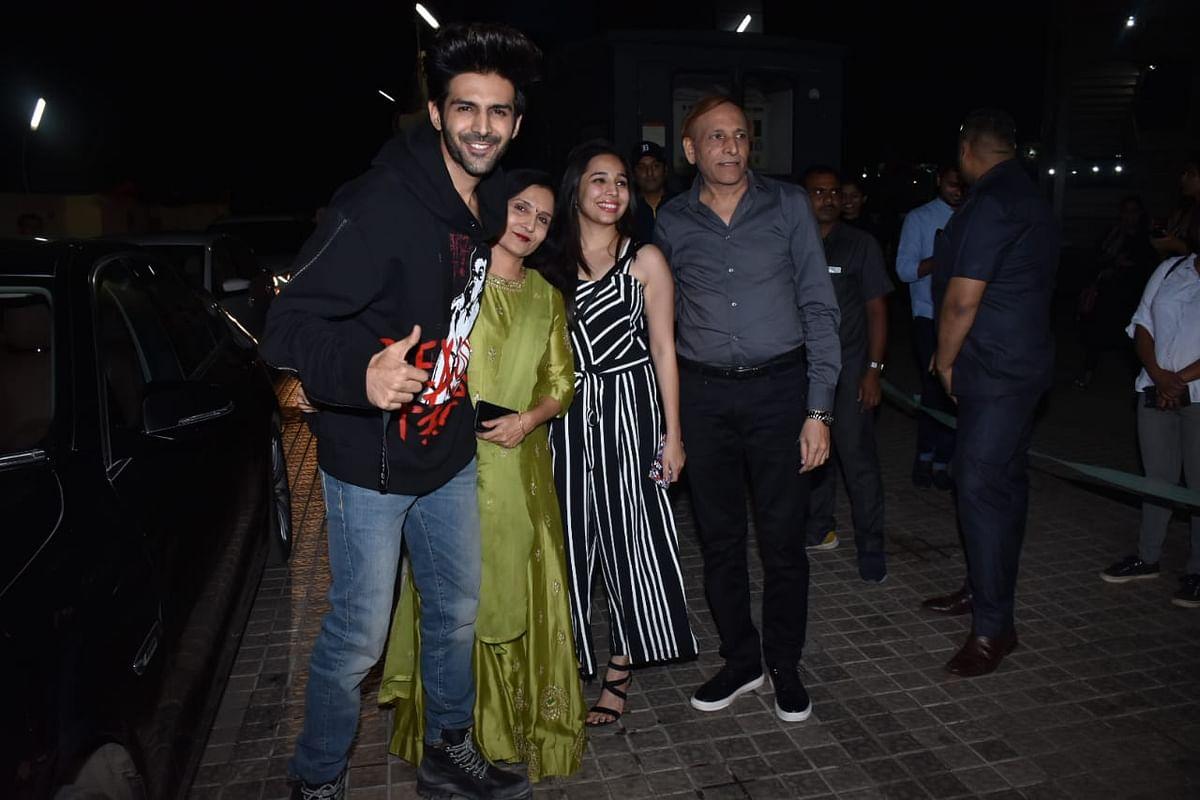 Kartik Aaryan along with his family,Pic courtesy: Viral Bhayani