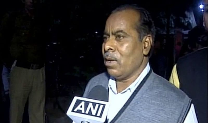 Neither support nor oppose 'Delhi Crime': Nirbhaya's father