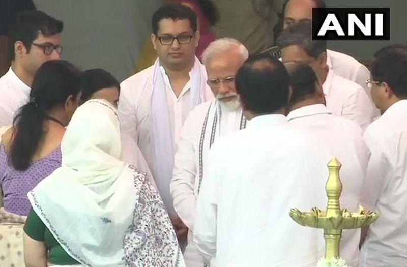 Manohar Parrikar funeral: PM Narendra Modi, Nirmala Sitharaman pay tribute to Goa CM