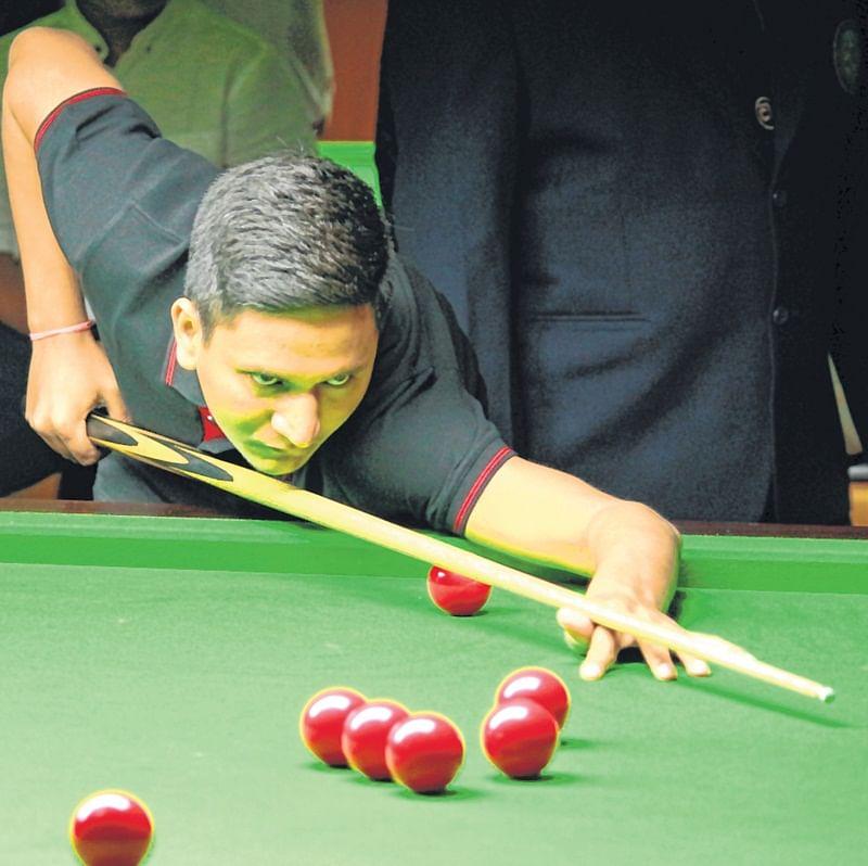 Pankaj Advani, Laxman Rawat in semis