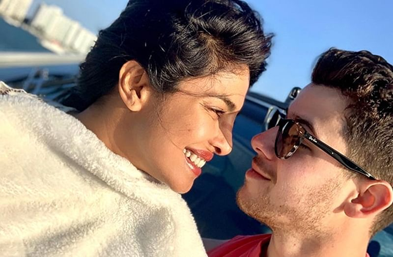 Priyanka Chopra and Nick Jonas look smitten in this aww-dorable picture from their Miami vacation