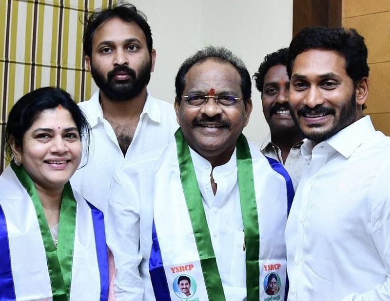 Andhra Pradesh: Thota Narasimham, Potluri Vara Prasad join YSR Congress ahead of Lok Sabha polls