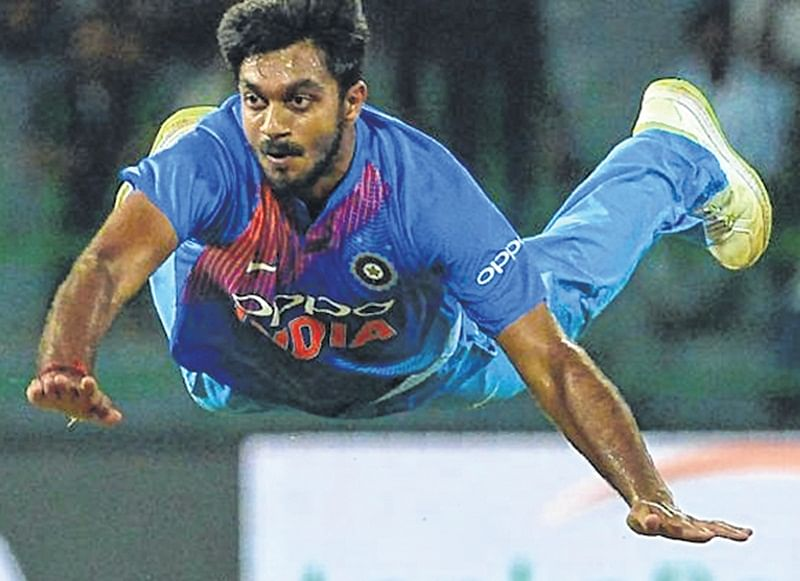 India practice: Vijay Shankar gets hit in forearm at nets, sent for scan