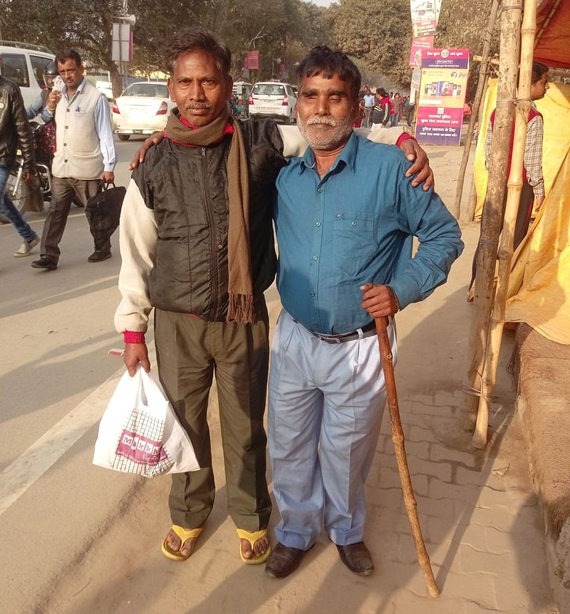 Ram Lala has been accompanying his visually impaired friend, Mithailal Patel to the Kumbh since 2001. In fact, their friendship also goes back to the same time.