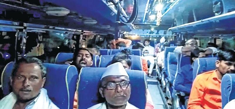 Mumbai: Discontented Ravi Gaikwad supporters denied permission to meet Uddhav Thackeray