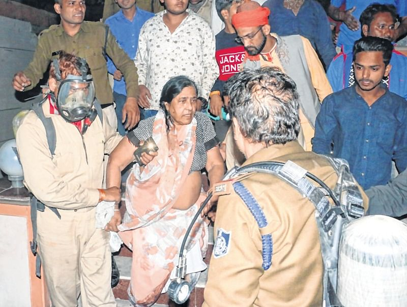 Indore: Close Save For 23 at hotel fire