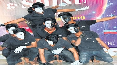 Bhopal: Techno cultural fest concludes with fashion shows, pre Holi celebrations