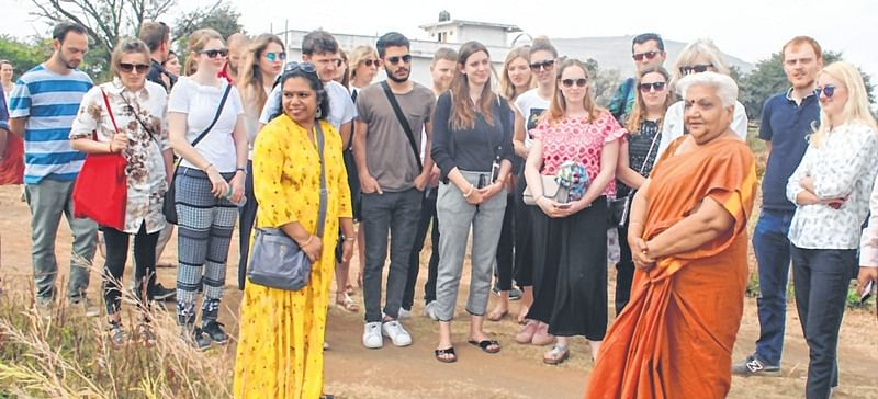 Indore: German students visit Jimmy Centre