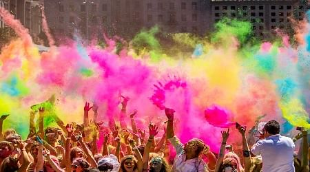 Indore: City sees a splash of holi