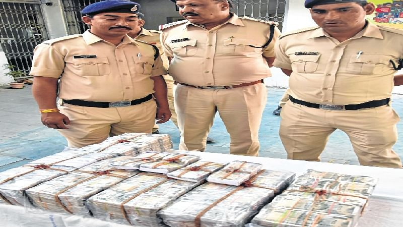 Bhopal: Posing as SI, son of retd cop executes Rs 3 crore theft