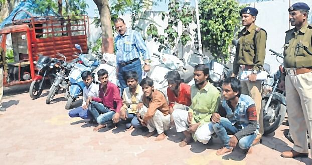 Indore: Father-son gang of vehicle lifters busted