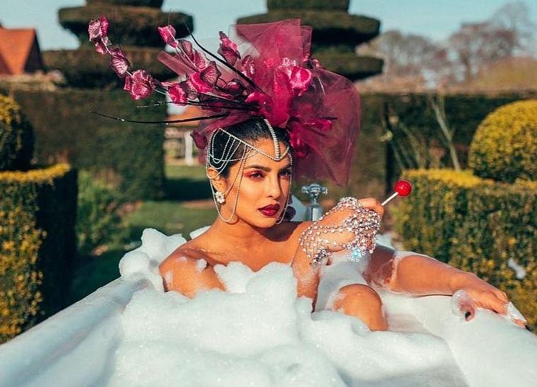When Priyanka Chopra hinted 'FAKE' people in Bollywood