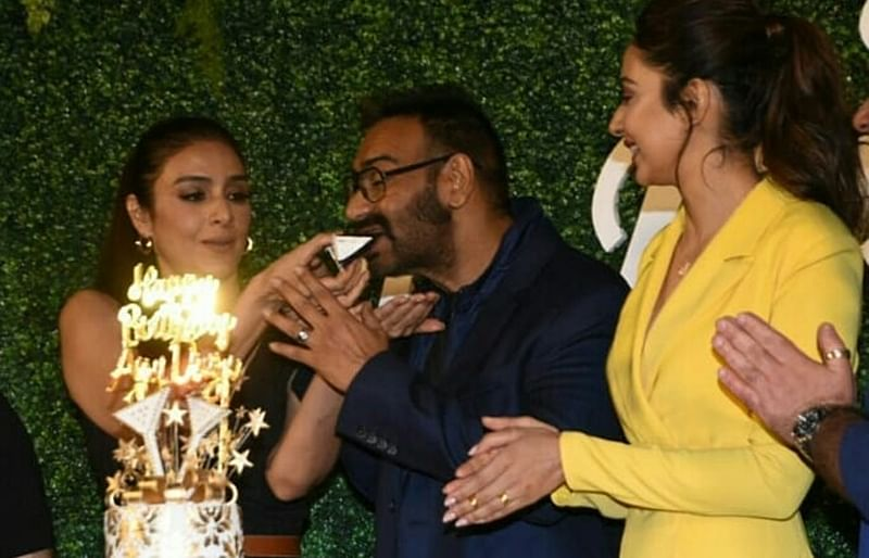 'De De Pyar De' team celebrates Ajay Devgn's 50th birthday at trailer launch