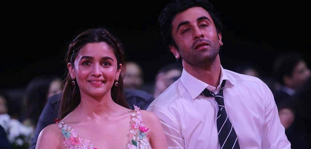 Ranbir Kapoor's emotional acceptance speech moves GF Alia Bhatt to tears