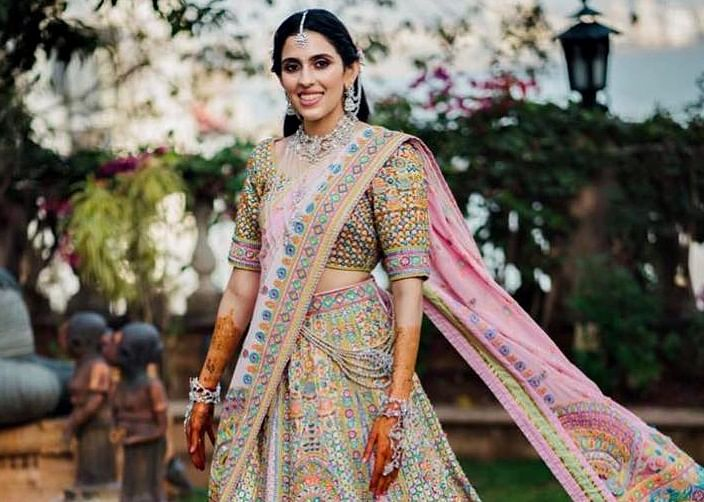 Unseen pic of Akash Ambani's wife Shloka Mehta at her Mehendi Ceremony will leave you awestruck