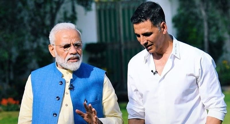 Akshay Kumar congratulates PM Narendra Modi for 'historic win'