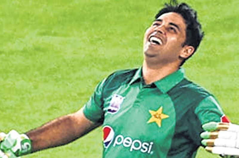 Abid Ali wants to hug  Sachin Tendulkar
