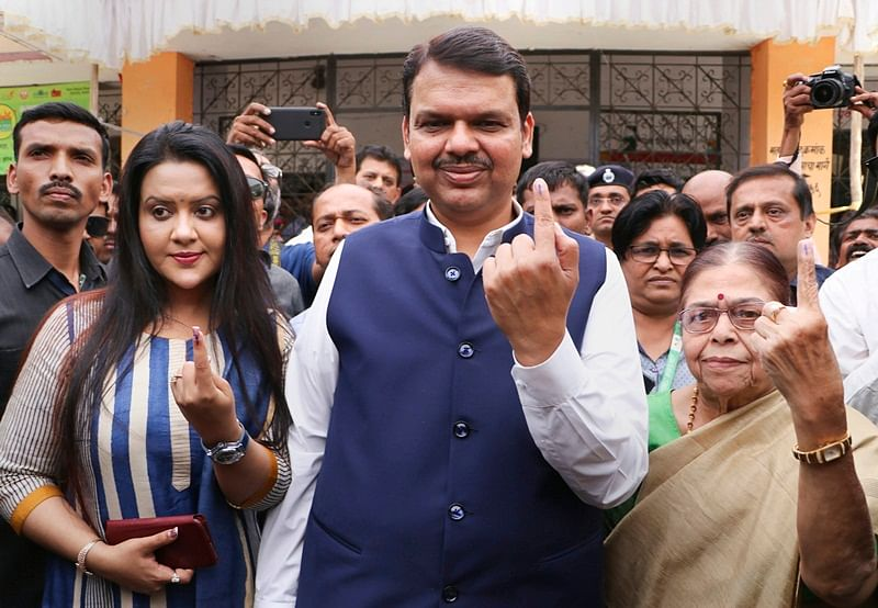 Lok Sabha Elections 2019: Maharashtra CM Devendra Fadnavis casts vote in Nagpur