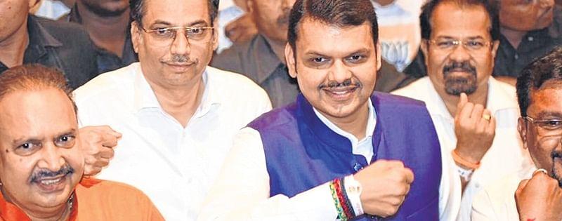 CM Fadnavis, BJP leaders take part in PM Modi's Chowkidar campaign