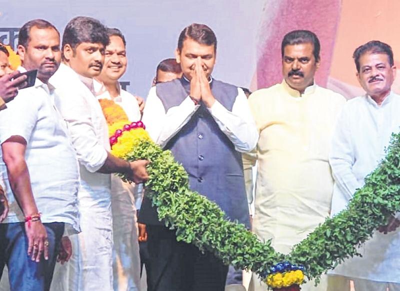 Lok Sabha elections 2019: CM Devendra Fadnavis slams Rahul Gandhi, says Congress manifesto looks like JeM manifesto