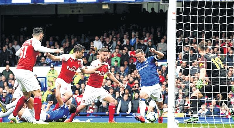 Premier League: Gunners gunned down